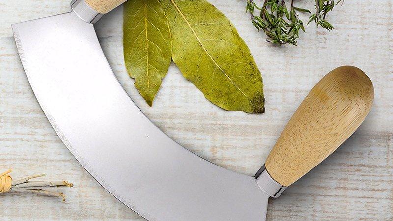 mincing knife